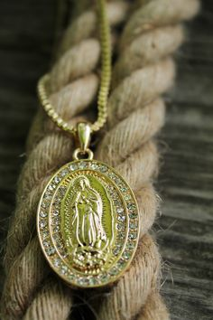 """Gorgeous sparkle pendant necklace - NEW ICED OUT VIRGIN MARY PENDANT & 24"""" BOX/ROPE CHAIN HIP HOP NECKLACE"""