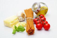Spaghetti and ingredients - Spaghetti und Zutaten