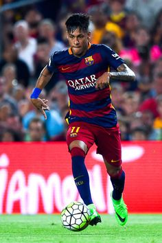 Neymar of FC Barcelona runs with the ball during the Joan Gamper trophy match at Camp Nou on August 5, 2015 in Barcelona, Catalonia.