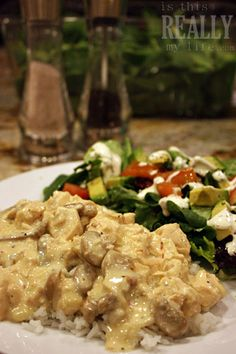 made with frozen chicken breasts, cream of chicken soup, cream cheese, and mushrooms 8 servings 340 cal. Crock Pot Food, Crock Pot Slow Cooker, Slow Cooker Recipes, Crockpot Recipes, Cooking Recipes, Cooking Ideas, Creamy Italian Chicken, Italian Chicken Recipes, New Recipes