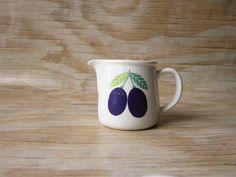 Arabia Finland Ceramic Cups, Scandinavian Style, Tea Set, Finland, Simple Designs, Dinnerware, Stoneware, Objects, Porcelain