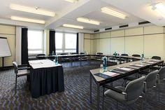 Eines der Konferenz- & Seminarräume / One of the conference and seminar rooms | H+ Hotel Siegen