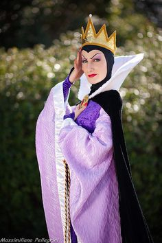 COSTUME: Queen Grimhilde (Snow White and the Seven Dwarfs)