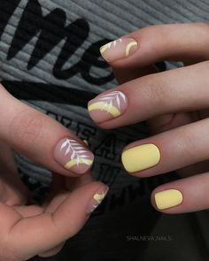 In look for some nail designs and some ideas for your nails? Listed here is our list of must-try coffin acrylic nails for fashionable women. Square Acrylic Nails, Cute Acrylic Nails, Acrylic Nail Designs, Nail Art Designs, Short Nail Designs, Perfect Nails, Gorgeous Nails, Pretty Nails, Nail Manicure