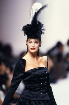 Supermodels of the 1990s- Fashion Pictures of 1990s Supermodels