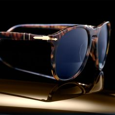 The iconic arrow highlights the commitment to fine detail that drove our first 100 years :: #Persol100 Model #6649S
