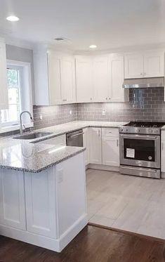 Home Kitchens, Kitchen Design Small, Kitchen Remodel Small, Kitchen Inspiration Design, Kitchen Remodel Design, Kitchen Room Design, Kitchen Interior, Kitchen Layout, Modern Kitchen Design