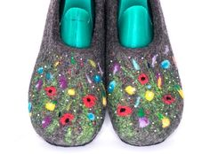 b67b02e8440b Natural dark gray Slippers with flowers for women - Not dyed organic wool -  Boiled wool eco shoes for home wear
