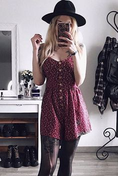 To find out about the Ditsy Floral Button Front Cami Romper at SHEIN, part of our latest Jumpsuits ready to shop online today! Edgy Outfits, Casual Fall Outfits, Cute Outfits, Fashion Outfits, Halter Bodycon Dress, Belted Shirt Dress, Elegant Dresses, Cute Dresses, Combo Dress