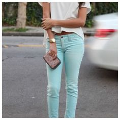 """Bullhead aqua skinny ankle jeans Great Aqua blue green color, 5 pocket style. These measure 16"""" across waist, 27"""" inseam and 8"""" rise. They do stretch. Great condition! Bullhead Jeans Skinny"""