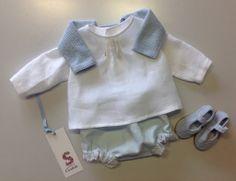 Conjuntito en azul y blanco para #bebé. #moda #modainfantil #minisueños http://www.xn--sueosdecarlota-snb.com/coleccion-minisuenos.phpsueñosdecarlota.com/coleccion-mini …