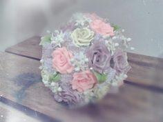 El ramo de novia además de ser una expresión milenaria de buenos deseos,es también el accesorio principal de la novia. Tesoros Lala