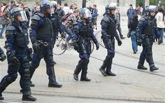 uk police riot gear - Google Search London Metropolitan, Riot Police, Police Uniforms, Law Enforcement, Cops, Gears, British, Punk, Firefighters