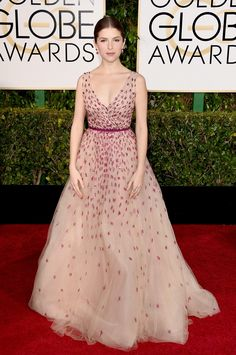 Anna Kendrick - 2015 Golden Globe Awards