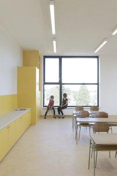 Gallery of Primary school Nezamyslice / Malý Chmel – 3 - Architektur 2020 Education Architecture, School Building, Primary School, Gallery, Table, House, Furniture, Home Decor, Architecture