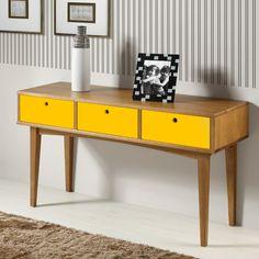 O estilo retrô presente nos móveis é uma tendência forte nas decorações. Os…