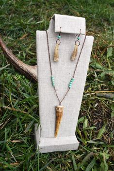 Carved Antler Jewelry Set Deer Antler Tip Jewelry Real image 3 Deer Antler Jewelry, Antler Necklace, Antler Art, Antler Crafts, Hunting Crafts, Jewelry Sets, Women Jewelry, Jewelry Necklaces, Boho Accessories