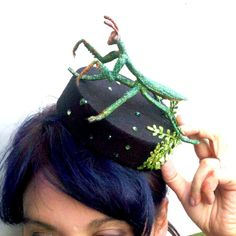 Black Bugging Out Cocktail Hat With Praying Mantis