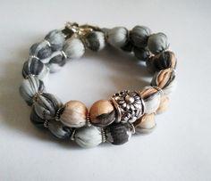 Écharpe en soie bracelet, Bracelet soie, Silver wrap bracelet, bracelet double enveloppe perlée, des accessoires uniques, bracelet écharpe de soie, AnaSilkDesign