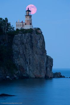 Split Rock Lighthouse, MN, USA by howardignatius, via Flickr