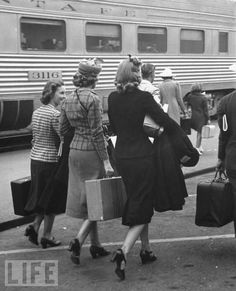 Train travel back in the days..I loved traveling with my Grandmother on trains...    Jean Davis via Juanita Solley onto Places and spaces I've been to and enjoyed..