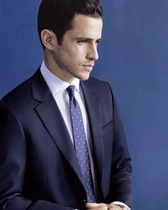 Suit up! - Das perfekte Hemd für das Büro von MYHEMDEN! (Marke auf dem Foto: van Laack)