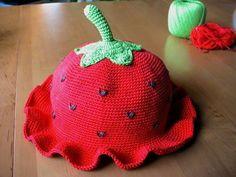 pattern is in Russian, though! Crochet Kids Hats, Knitted Hats, Knit Crochet, Mitten Gloves, Mittens, Crochet Strawberry, Bonnet Hat, Beanie, Knit Fashion