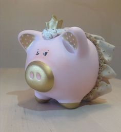 Crown in cold porcelain. This creation is an original, one of a kind design and is signed by me. Design may slightly vary as each piggy bank is hand-painted individually. Fall Fest, Its My Bday, Hand Painted Ceramics, Cold Porcelain, Diy Paper, Craft Fairs, Cool Toys, Handicraft, Diy And Crafts