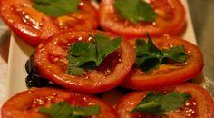 Auberginen mit Tomaten und Knoblauch