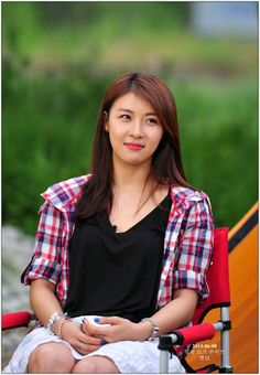Actress Ha Ji-won poses during a camping event which began on Saturday and was organized by fashion brand Crocodile Lady, 'Secret Garden' star camps out with fans Korean Beauty, Asian Beauty, Street Girl, Ha Ji Won, Iranian Women Fashion, Korean People, Beautiful Asian Women, Korean Actresses, Korean Girl
