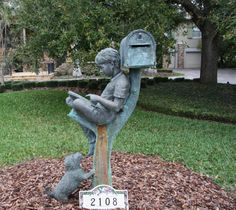 I want to live with this mailbox, and If I ever do anything worth memorializing, I'd want this to be my statue :-) Sculpture Art, Garden Sculpture, Unique Mailboxes, Funny Mailboxes, Street Art, I Love Books, Yard Art, Statues, Metal Art