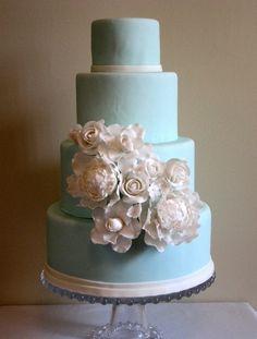 Bolo de casamento em azul Tiffany: Inspiração para bolo de casamento em azul Tiffany clássico e romântico - SugarPetals Cakes