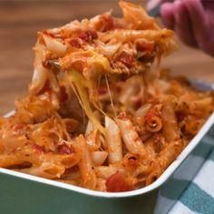 Σουφλέ με μακαρόνια στο φούρνο Cookbook Recipes, Cooking Recipes, Orzo, Macaroni And Cheese, Spaghetti, Food And Drink, Pasta, Rice, Ethnic Recipes