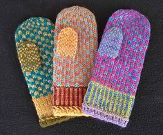 Free Knitting Pattern for Movie Night Mittens - Betty Clay says her the stranded colorwork on these mittens is so simple that you can knit them while watching a movie. Knitted Mittens Pattern, Crochet Mittens, Crochet Gloves, Knit Or Crochet, Knitting Patterns Free, Free Knitting, Knitted Hats, Free Pattern, Crochet Pattern