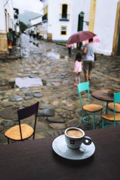 Coffee break at Pistache in Paraty, Brazil | heneedsfood.com