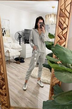 Shop Your Screenshots™ with LIKEtoKNOW.it, a shopping discovery app that allows you to instantly shop your favorite influencer pics across social media and the mobile web. Holiday Fashion, Winter Fashion, Spring Outfits, Winter Outfits, Sport Wear, Athletic Wear, Get Dressed, Her Style, Active Wear