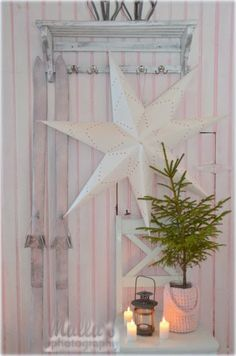 Simple and precious Magical Christmas, Scandinavian Christmas, Rustic Christmas, White Christmas, Christmas Home, Vintage Christmas, Merry Christmas, Old Country Houses, Storybook Cottage