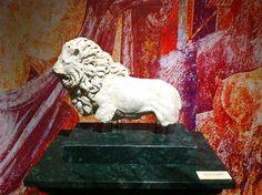 León encontrado en la Villa de la Zargadilla, museo de Vlia. Siglo I d. C.