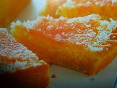 torta con crema di pompelmo e cocco Grapefruit, Cornbread, Ethnic Recipes, Food, Cream, Millet Bread, Eten, Meals, Corn Bread