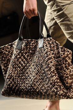 Apr 2020 - The complete Bottega Veneta Spring 2010 Menswear fashion show now on Vogue Runway. Tote Purse, Tote Bags, Fashion Bags, Mens Fashion, Fashion Menswear, Fashion Show, Brown Bags, Bottega Veneta, Beautiful Bags