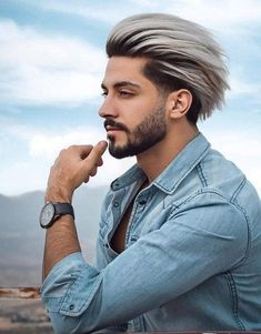 Just visit here and see our amazing styles of short haircuts for men with blonde shades to show off nowadays. Like women there are so many best styles of haircuts for men also to wear in this year. Mens Hairstyles With Beard, Cool Mens Haircuts, Hair And Beard Styles, Men's Haircuts, Men's Hairstyles, Hair Style Image Man, Hair Style For Men, Short Hair Cuts, Short Hair Styles
