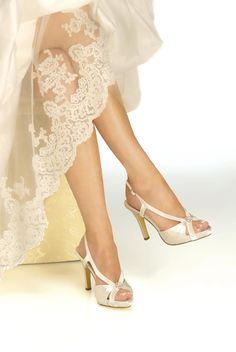 2e7f82b609e svatební boty šampaň - Hledat Googlem Večerní Obuv
