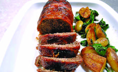 The best meatloaf recipe - very simple. Meatloaf made with added onions (or onion powder for onion objectors), roasted without a tin, wrapped in pancetta and glazed with maple syrup and mustard. Good Meatloaf Recipe, Best Meatloaf, Italian Meats, Italian Dishes, Traditional Meatloaf Recipes, Recipes With Parmesan Cheese, Ground Beef Recipes, Italian Style, Recipe Using