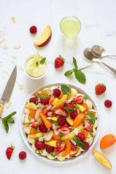 Italian summer fruit tart (without mold, with lemon mascarpone cream and delicious dough) Summer Fruit, Summer Desserts, Summer Recipes, Best Fruits, Healthy Fruits, Caprese Salad, Fruit Salad, Dessert Aux Fruits, Fruit Tart