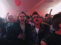 I am Mikey. Mikey is me. Calum Hood, 5 Seconds Of Summer, Luke And Ashton, Ashton Irwin, Michael Clifford, Mikey Clifford, Luke Hemmings, Pop Punk, Lady Gaga