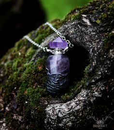Store your prescious gelfling essence in this crystal vial! Find it in the link at the top. Crystal Jewelry, Crystal Necklace, Pendant Necklace, Jewelry Shop, Handmade Jewelry, Jewelry Making, The Dark Crystal, Bottle Necklace, Polymer Clay Art