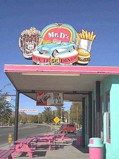 Route 66 -We were here, Kingman, Az! Yeah, I loved eating there Vintage Diner, Vintage Signs, Vintage Style, Photo Wall Collage, Picture Wall, Route 66 Road Trip, Road Trips, American Graffiti, Aesthetic Vintage