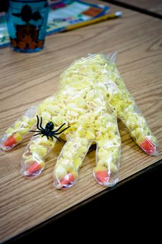 31 October 2011 Second grade class Halloween party. Candy corn nails, spider ring, & popcorn filled into a food service plastic glove. Halloween Class Party, Halloween Snacks, Holidays Halloween, Halloween Clothes, Costume Halloween, Holiday Treats, Holiday Fun, Cute Snacks, Creative Kids Snacks