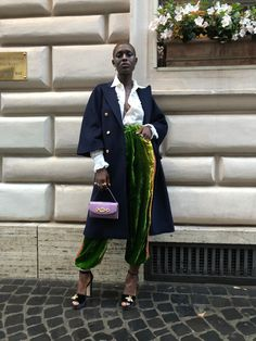 How Jodie Turner-Smith Came, Saw, and Conquered Gucci's Rome Show - Vogue High Street Fashion, Street Style Edgy, Street Chic, Rome Show, Vogue, Roman Holiday, Black Women Fashion, Autumn Winter Fashion, Fashion Looks