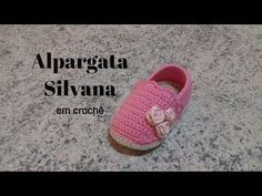 This is so cool crochet baby design Booties Crochet, Crochet Baby Mittens, Crochet Baby Blanket Beginner, Crochet Baby Sandals, Crochet Baby Boots, Baby Booties, Baby Knitting, Knitted Baby, Cute Baby Shoes